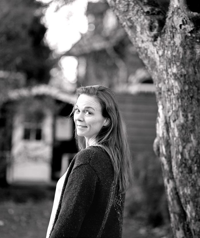 Anna-Nikolajsen-Healer-Clairvoyance-Om-Anna